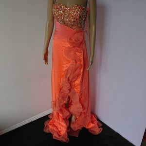 NWT Formal Dress Rhinestone Embellished Size 4 6